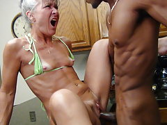 Camel Toe Kitchen - Milf Gets Facial